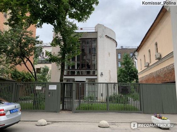 Дом-мастерская К.С. Мельникова, Москва фото