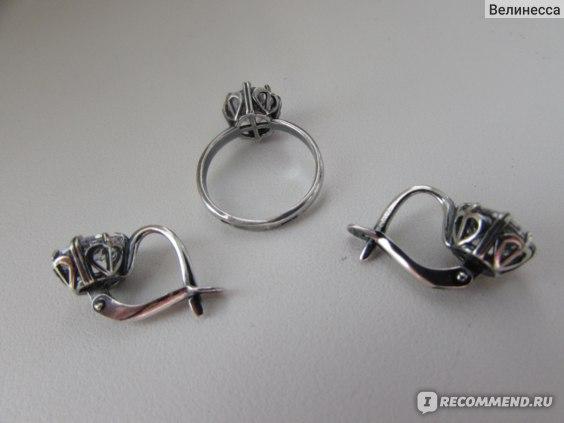 Серьги и кольцо  с фианитами Красная пресня