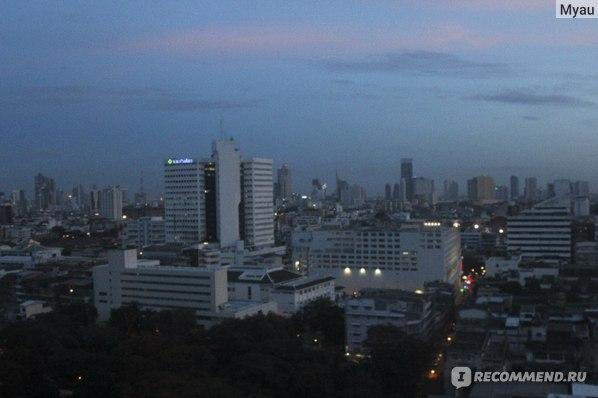 Вид из окна номера вечером, 16 этаж