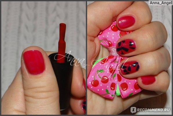 Видна, надеюсь, разница в цвете на ногтях и кисточке. 2 слоя гель-лака