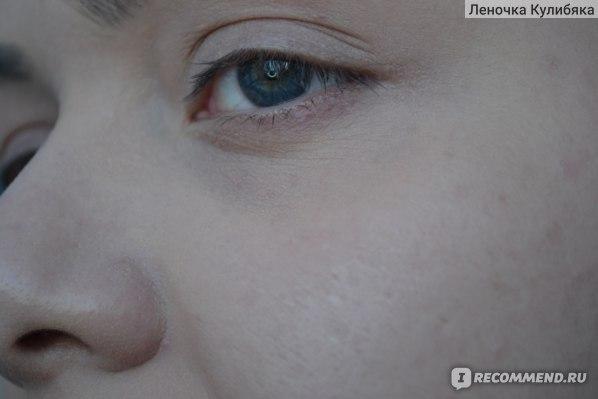 С ТОНАЛЬНЫМ КРЕМОМ Clarins Skin Illusion
