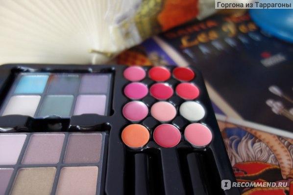 Кейс с косметикой Gloss!  Fashion Victim Makeup Case - 62 Piece фото
