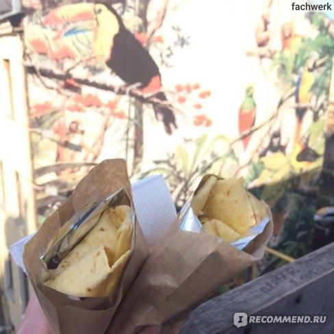 """Буррито из """"Тако Буррито"""", находящегося тоже в Этажах."""