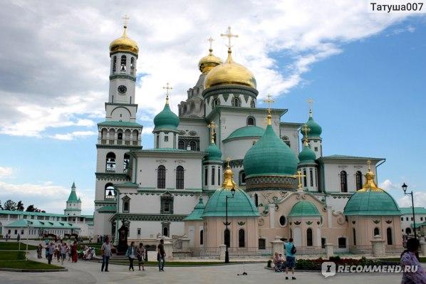 Воскресенский собор с колокольней и приделами во  всей красе