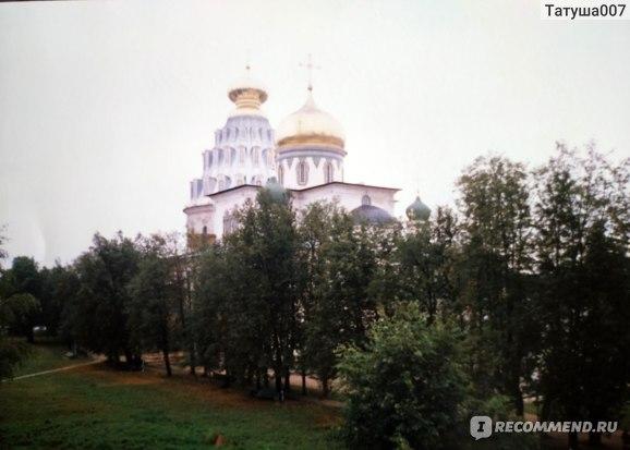 Вот так выглядел  Воскресенский храм 20  лет назад
