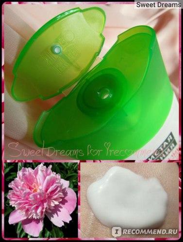 Крем-сливки для тела Чистая линия Интенсивное питание Лепестки розы и пион фото