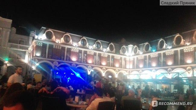Площадь Пьяцца. Г. Батуми