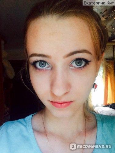 Транспарентная фиксирующая пудра для лица Avon рассыпчатая фото