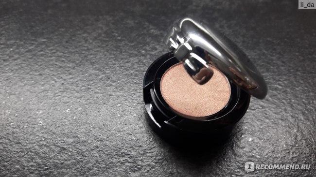 Тени для век NYX Professional Makeup Prismatic Shadows фото