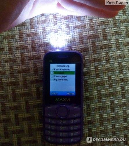 Мобильный телефон Maxvi C4 фото