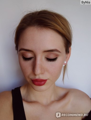 Seventeen Matte Lasting Lipstick, фото в макияже