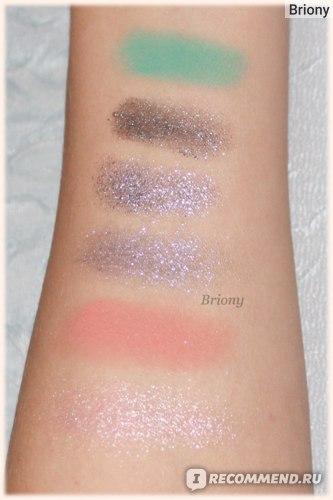 Huda Beauty Mercury Retrograde Palette  - ряд 1 искуственный свет