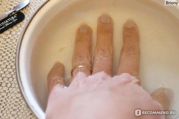 Ванночка из соли, соды и эфирного масла апельсина для укрепления и отбеливания ногтей