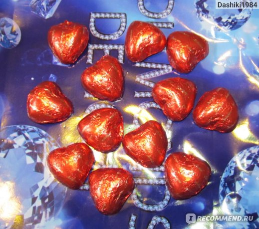 Шоколадные конфеты Любимов Молочный шоколад и нежное ореховое пралине 12 сердечек фото
