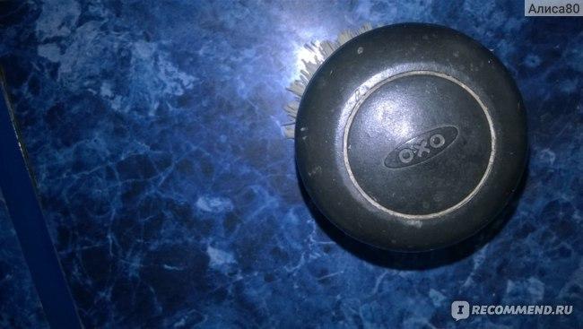 Щетка для мытья посуды и уборки Охо с диспенсером фото