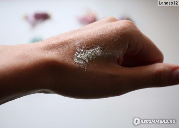 Защитная пудра Holy land cosmetics  Treatment Powder Double Action фото