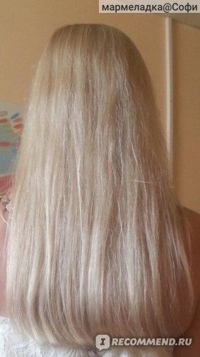 волосы при дневном свете высушеные  феном .