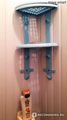 Подставка внутри для геля, шампуня и т.д.