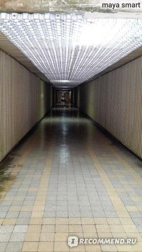 """Тоннель,в конце которого лифты до дома отдыха """"Солнечный"""""""