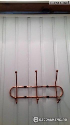 Крючки для полотенец (на внутренней части двери)