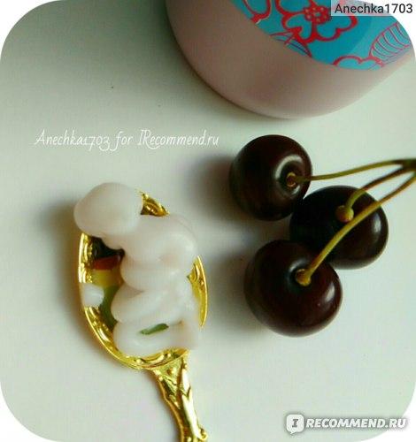 Кондиционер с экстрактом вишни Mukunghwa Rossom Cherry Blossom Conditioner фото