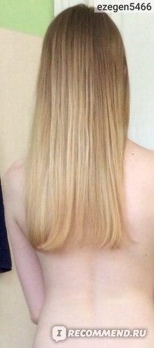 Фото после использования спрея (фоткала сама, поставив планшет на таймер, поэтому тоже все так печально, но зато все равно видно, что волосы не топорщатся, лежат волосок к волоску)