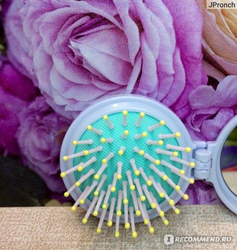 """Складная расческа для волос Пятерочка с маркировкой """"Zhejiang Senmiao Trade Co., Limited"""" фото"""