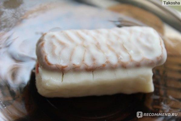 Глазированный сырок ДарПродукт клюква с печеньем фото