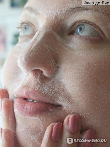 Пенка для умывания Holika Holika Aloe Facial Cleansing Foam фото