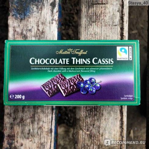 Темный шоколад Maitre Truffout с начинкой со вкусом черной смородины в пластинках фото