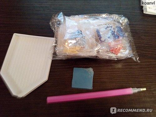 Органайзер, стразы, клей и карандаш