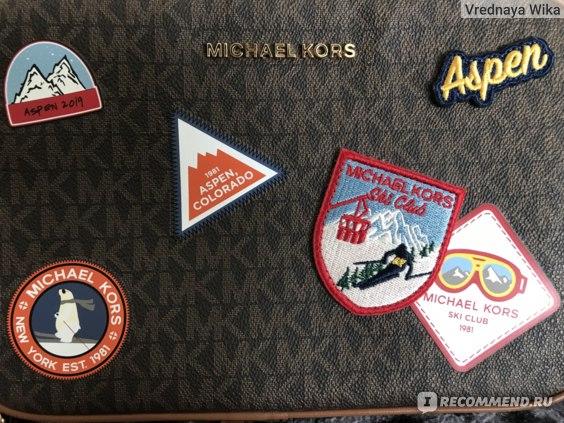 На сумке 7 аппликаций (4 из них наклейки и две вышивки)