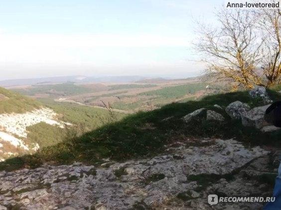 Вид на другую сторону пещерного города