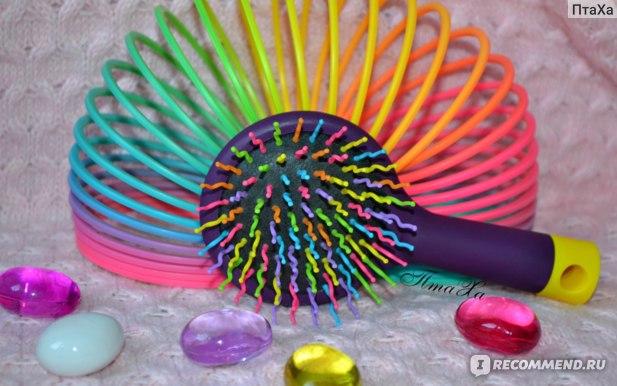 Расческа LOVELY С разноцветными зубьями фото