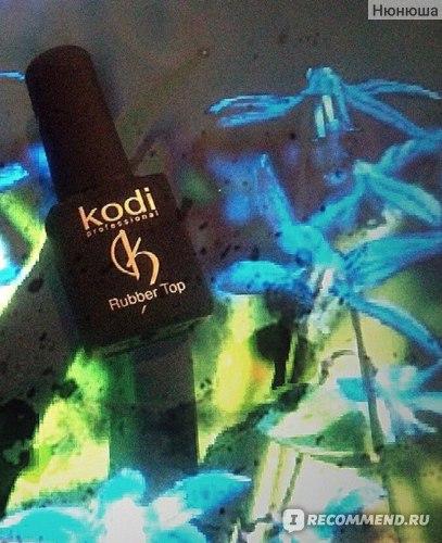 Каучуковое верхнее покрытие для ногтей Kodi Rubber Top фото