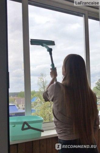 Щетка для мытья окон LEIFHEIT 3 в 1 с телескопической ручкой и поворачивающейся головкой фото