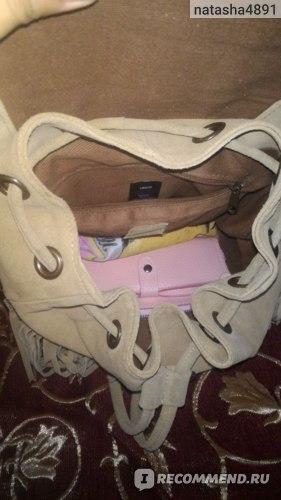 Рюкзак замшевый ASOS с бахромой и тисненой отделкой на клапане фото