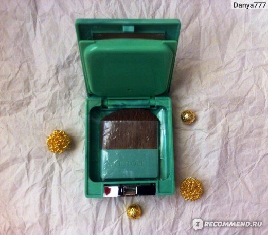 Пудра Clinique Almost Powder Makeup SPF 15 фото