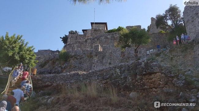 Крепостные стены вблизи