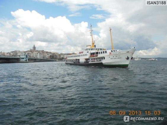 Кораблик на Босфоре.