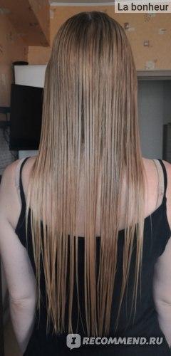 Волосы в процессе применения восстанавливающей маски для сухих и поврежденных волос Lador Hydro LPP Treatment Professional Salon Hair Care