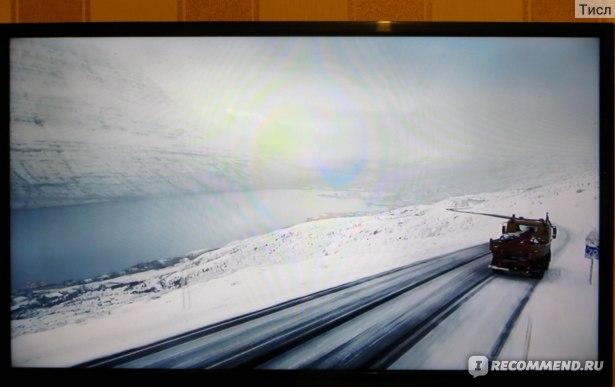 Красота! Горы, фьорд, снег и машина с мамонтом