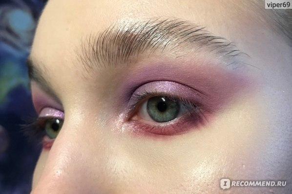 Тени для век MAC Powder Kiss Soft Matte Eye Shadow фото