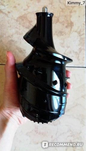 Шнековая соковыжималка Oursson JM7002 фото