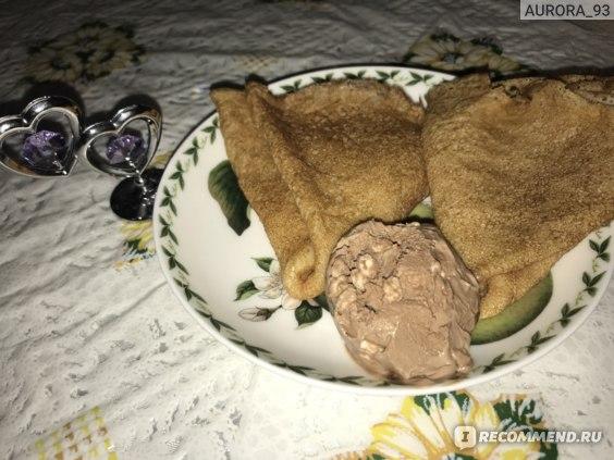 блинчики с шоколадным мороженым
