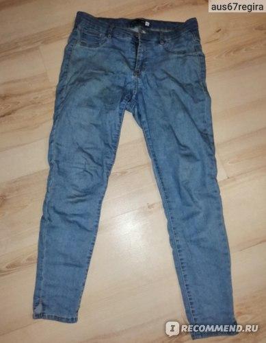Вот так вятынулись джинсы. Носила их меньше месяца - максимум недели три