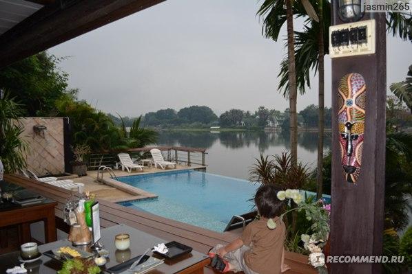 Вид на реку квай с террасы нашего резорта