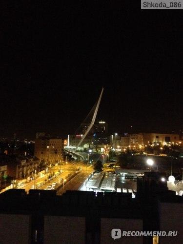 Вид из окна на мост Арфа Давида
