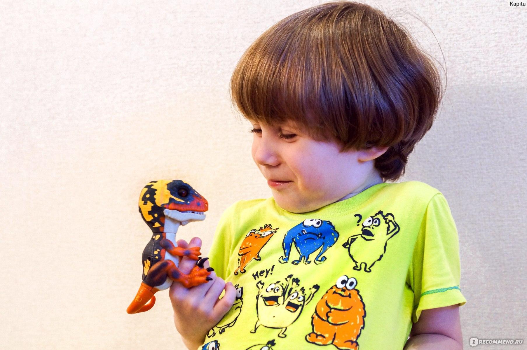 игрушка интерактивный динозавр fingerlings